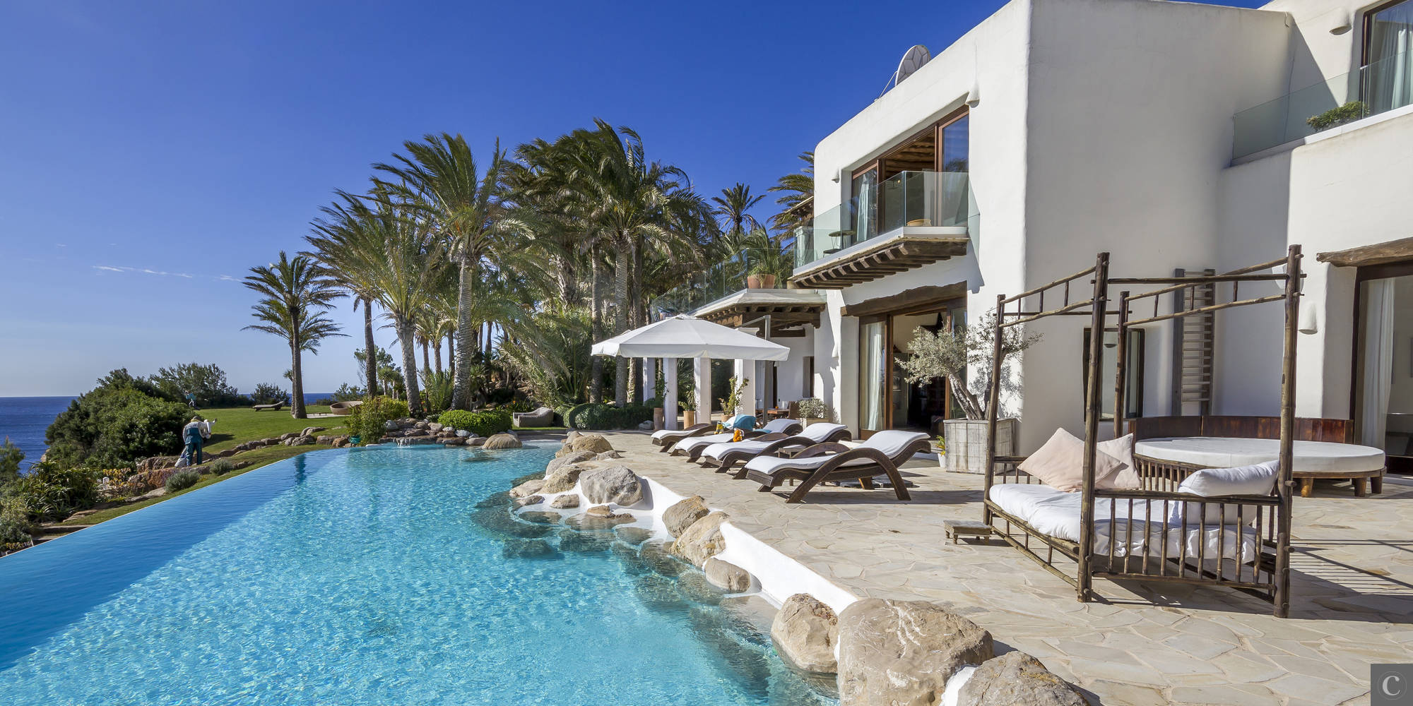 This Villa Can Be Yours For Just €125K A Week