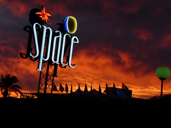 Is It True Space Will Reopen Again In 2017?