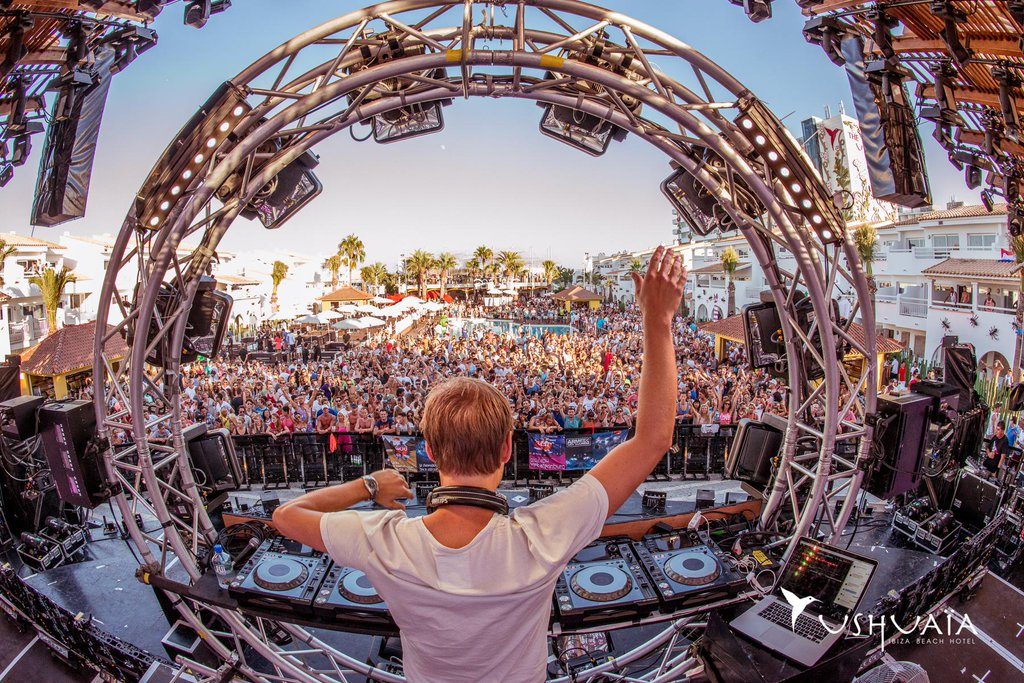 Armin Van Buuren Releases Lineup For Hï Residency