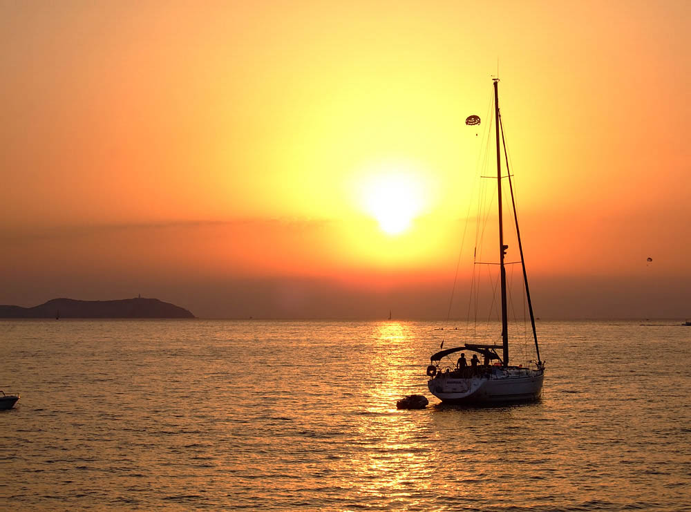 5 Of The Most Outrageous Boats You Can Rent In Ibiza