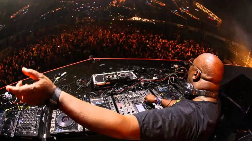 7 Unmissable Videos From Pure Carl Cox Last Night