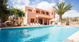 Stunning  Morrocan Style Villa For Up To 14 People Just Minutes From Playa d'en Bossa! Villa Alberto